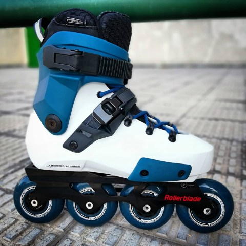 RB Twister Edge X custom petrol blue